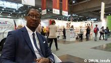 "24.03.2017+++ Der angolanischer Schriftsteller Kalaf Epalanga bei der Buch Messe 2017 in Leipzig. Dort stellt er seine Buch ""O Angolano Que Comprou Lisboa (Por Metade do Preço) vor. DW/Nádia Issufo"