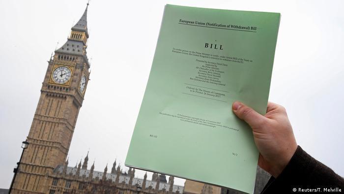 Großbritannien Brexit Gesetz Symbolbild (Reuters/T. Melville)