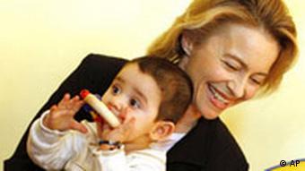 Bundesfamilienministerin Ursula von der Leyen besucht eine Kita (2008)