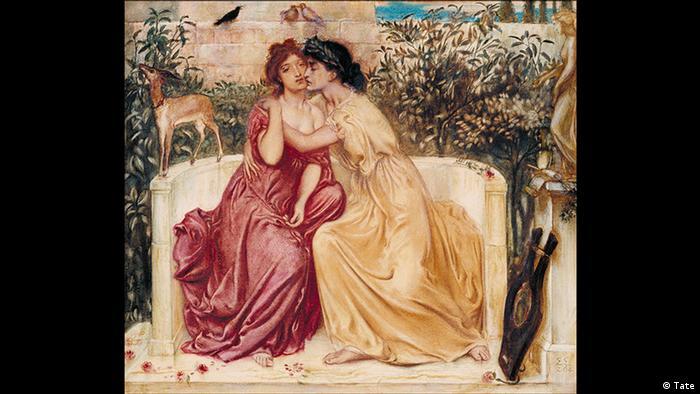 La obra del pintor prerrafaelista Simeon Solomon muestra a la poeta Safo (derecha) y a su amada Erina en Lesbos. Mientras que Safo aparece andrógina, Erina se muestra con atributos típicamente femeninos: su vestido se desliza desde el hombro y deja su pecho libre, el cual, desde el punto de vista del espectador, sólo está cubierto por el brazo de Safo.