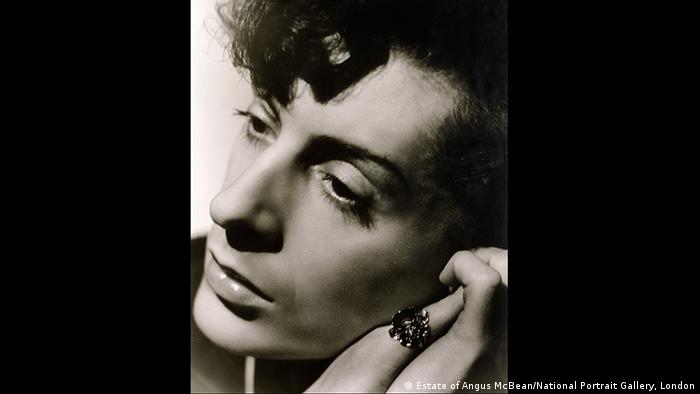 Image of Quentin Crisp by Angus McBean (Estate of Angus McBean/National Portrait Gallery, London)