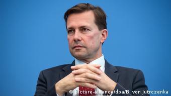 Steffen Seibert (picture-alliance/dpa/B. von Jutrczenka)