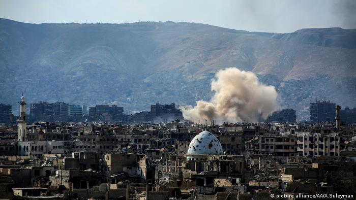 Assad Luftangriffe Syrien (picture alliance/AA/A.Suleyman)