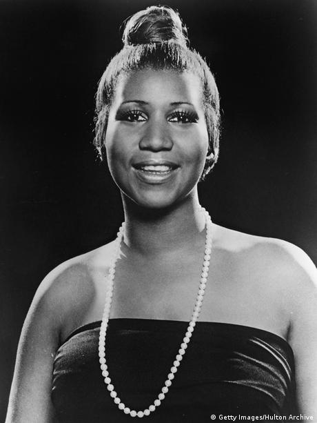 aretha franklin died - 460×613