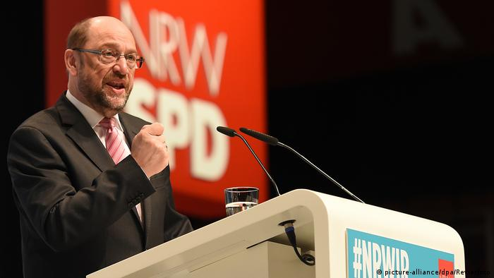 Landesdelegiertenkonferenz der NRWSPD Martin Schulz (picture-alliance/dpa/Revierfoto)