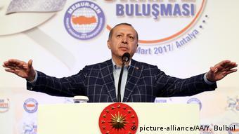 Türkei Präsident Recep Tayyip Erdogan bei Memur-Sen-Treffen in Antalya