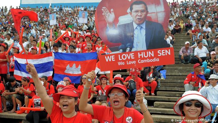 Kambodscha Hun Sen Anhänger (Getty Images/AFP/T.C.Sothy)