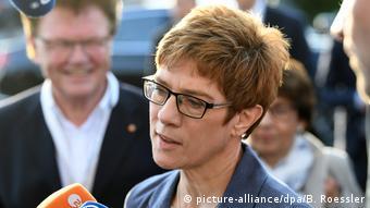 Democrata-cristã Annegret Kramp-Karrenbaeuer deve seguir governando o estado do Sarre