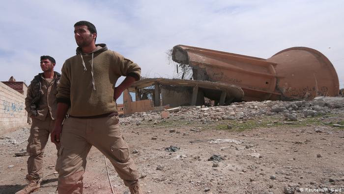 Сирийские оппозиционные силы отбили у ИГ аэродром под Раккой