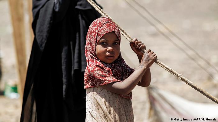 Jemen Leid der Kinder Mädchen bei Sanaa (Getty Images/AFP/M. Huwais)
