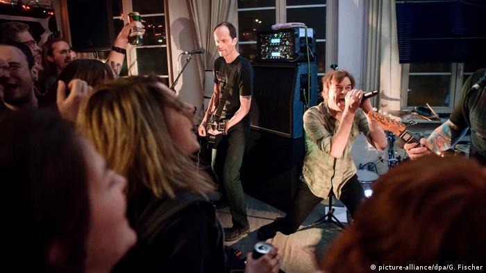 Ünlü Alman rock grubu Die Toten Hosen, Mart 2017'de de Chemnitz'de bir konser vermişti