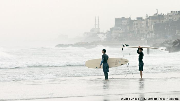 Scene from GAZA SURF CLUB (Little Bridge Pictures/Niclas Reed Middleton)