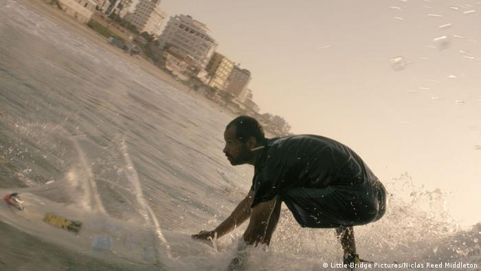 Standbild vom Film GAZA SURF CLUB (Little Bridge Pictures/Niclas Reed Middleton)