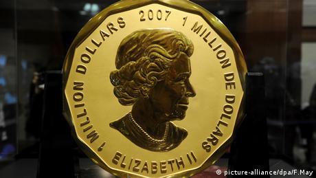 Eine riesige Goldmünze aus 100kg Feingold (picture-alliance/dpa/F.May)