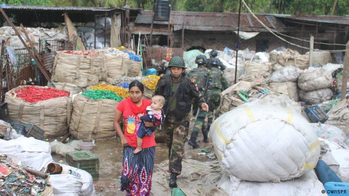 Bangladesch Kommandos retten Residenten aus 'Atia Mahal' in Sylhets Shibbari (DW/ISPR)