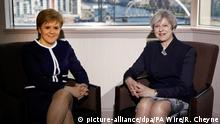 Großbritannien Theresa May trifft Nicola Sturgeon in Glasgow