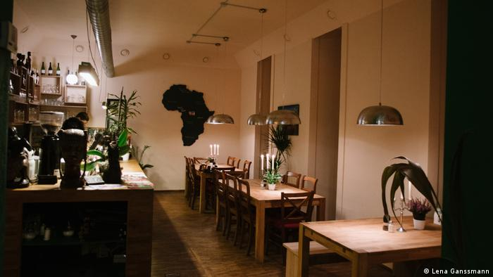 Inside Restaurant Pan Africa in Berlin (Photo: Lena Ganssmann)