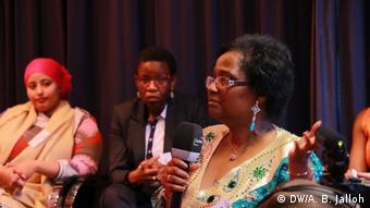 Deutschland Beschäftigungstherapie für afrikanische Frauen