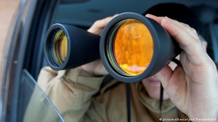 Switzerland: Campaign against 'welfare detectives' gets support of thousands