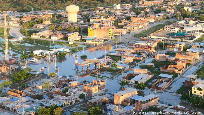 Peru | Überschwemmungen in Peru (picture-alliance/dpa/Agentur Andina/C. Lezama)