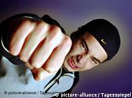 پرتشدد مناظر دیکھنے نے ذہن کا  جذبات اور ردعمل کو کنٹرول کرنے والا حصہ  متاثر ہوتا ہے
