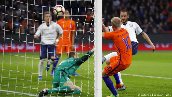 Fußball | Niederlande vs Italien (picture-alliance/AP Photo)