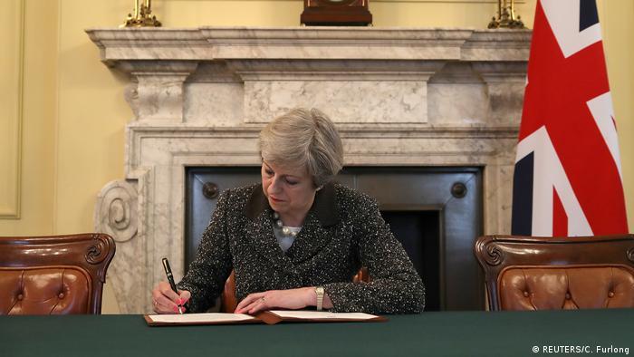 Reino Unido começa processo de saída da UE