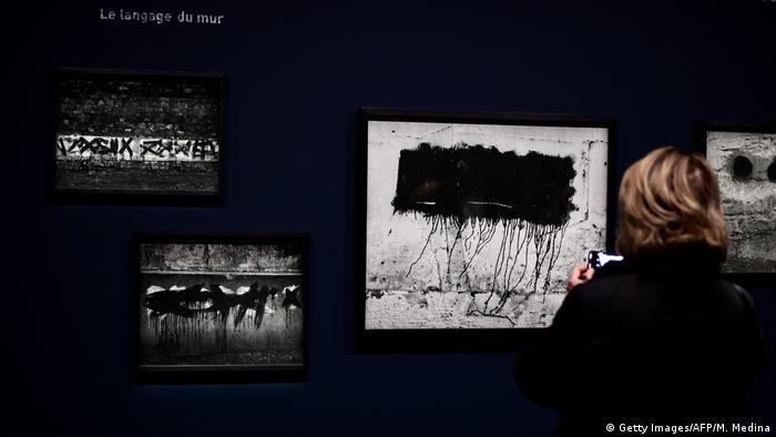 Frankreich Ausstellung Graffiti des Fotografen Brassaï (Getty Images/AFP/M. Medina)