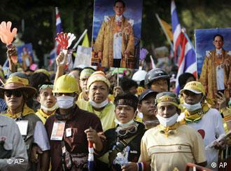 Anti-Regierungs-Proteste in Bangkok (AP)