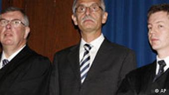 Йоханнес Фельдмайер с адвокатами