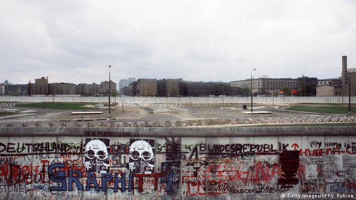 Deutschland Graffiti auf der Berliner Mauer (Getty Images/AFP/J. Robine)