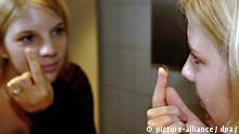 Themenbild Kontaktlinse Augen Optik Sehkraft