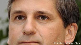 میشاییل اشپیندلاگر، وزیر امور خارجه اتریش، از حزب مردم اتریش: نباید به خاطر مناقشه اتمی با ایران چشم بر نقض حقوق بشر در این کشور بست