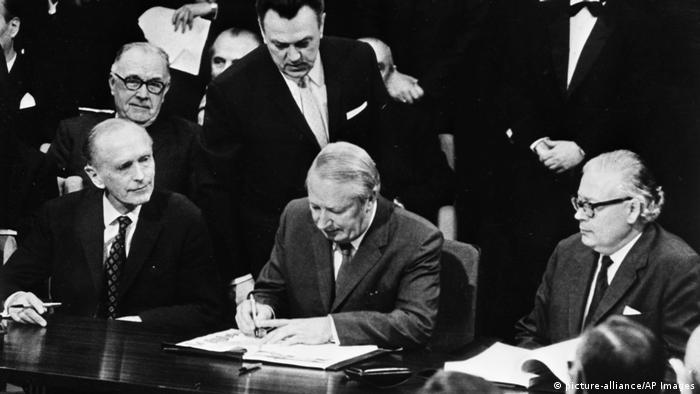 Großbritannien tritt der EG bei 1972 (picture-alliance/AP Images)
