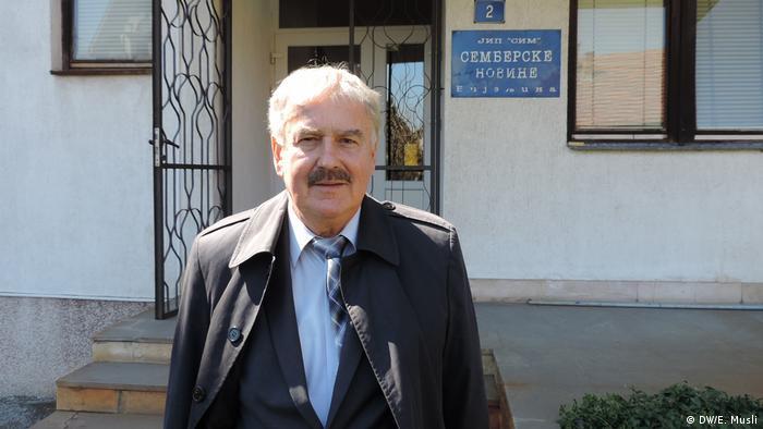 Jusuf Trbić sipred Semberskih novina