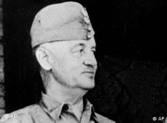 Black and white portrait of General Wladyslaw Sikorski, Polish World War II government-in-exile leader