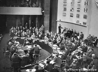 Eine formale Veranstaltung: Am 10. Dezember 1948 wurden die Menschenrechte von der UN in Paris erklärt (Foto: dpa)