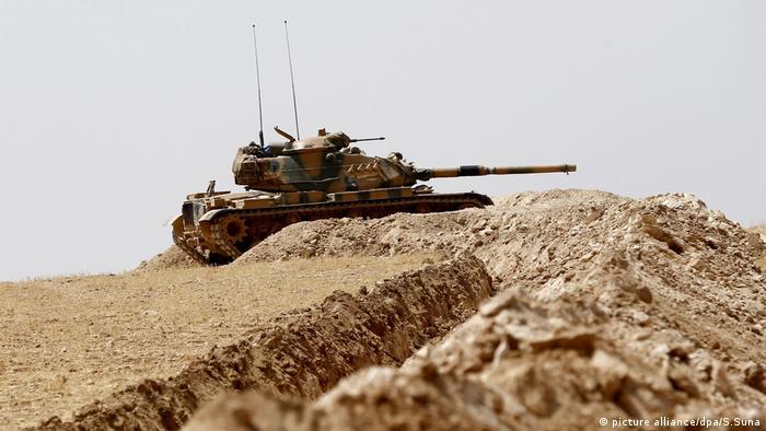 Tanque do Exército da Turquia, próximo da fronteira com a Síria