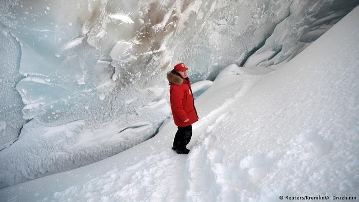 Wladimir Putin im Gletscher (Reuters/Kremlin/A. Druzhinin)