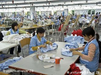 Female employees at the van Laack plant in Vietnam