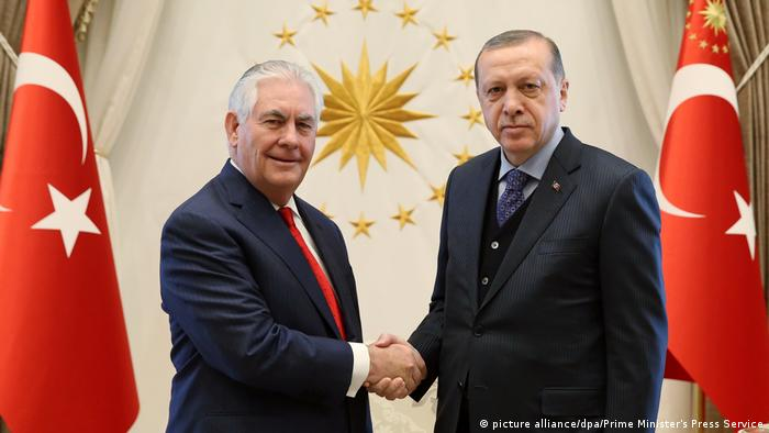Tillerson and Erdogan (picture alliance/dpa/Prime Minister's Press Service)