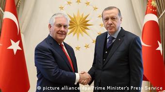 Tillerson and Erdogan (picture alliance/dpa/Prime Minister's Press Service)