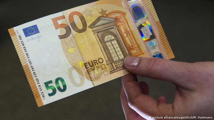 new anti forgery 50 euro bill going into circulation news dw. Black Bedroom Furniture Sets. Home Design Ideas