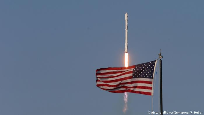 USA | SpaceX Falcon 9 gestarted (picture-alliance/Zumapress/R. Huber)