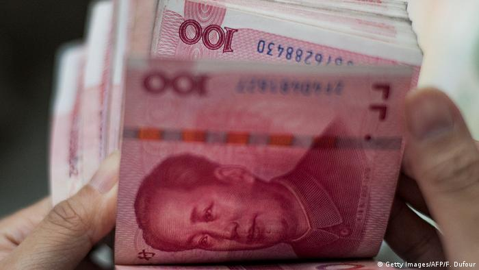 China 100 Yuan Scheine (Getty Images/AFP/F. Dufour)