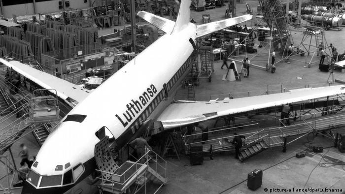 Erste Boeing 737 für Lufthansa 1967 in Seattle gefertigt (picture-alliance/dpa/Lufthansa)