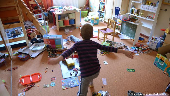 Chaos im Kinderzimmer (picture-alliance/ZB/J. Kalaene)