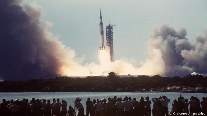 Місія Апполон-11