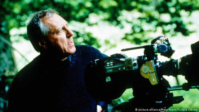 Peter Greenaway shooting '8 1/2 Women' (picture-alliance/Mary Evans Picture Library)