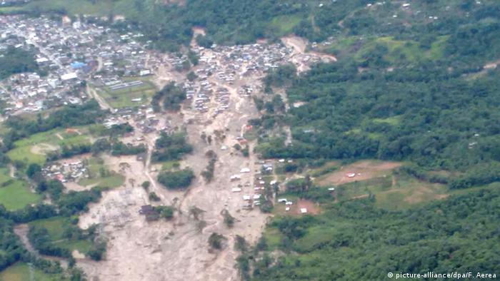 La zona devastada por el desborde del río.